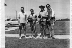 gallery_vintage_59-18-beachcombers